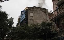 Hà Nội: Cháy quán karaoke, nhân viên hoảng hốt tháo chạy