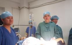 Phẫu thuật thành công cứu cụ bà tự cắt tử cung bằng dao