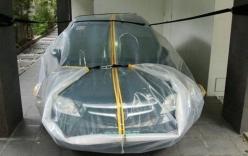 Cứu ôtô khỏi bị ngập nước bằng túi ni-lông