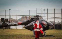 Tội phạm hóa trang ông già Noel đi cướp trực thăng