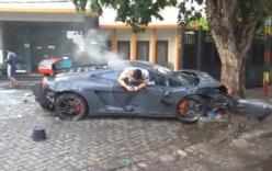 Siêu xe Lamborghini tan nát sau khi gây tai nạn hàng loạt ở Indonesia