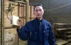Người đàn ông hút bụi trong 100 ngày để tạo ra một viên gạch