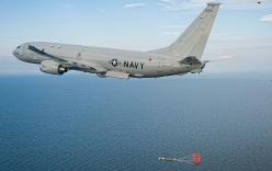 Mỹ triển khai sát thủ săn ngầm P-8 ở Singapore để tuần tra Biển Đông