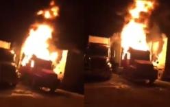 Chập điện, xe container bốc cháy dữ dội giữa đêm