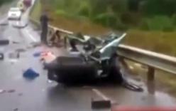 Video: Ôtô nát vụn khi đối đầu xe tải