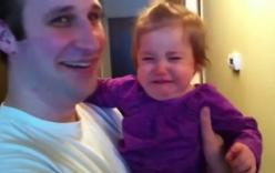 Bé gái lạ lẫm và khóc toáng lên khi thấy bố... cạo mất râu