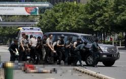 Top video hot ngày 14/12: Cảnh sát Jakarta đấu súng với khủng bố trên phố