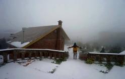 Tuyết rơi trắng nhiều nơi ở Lạng Sơn