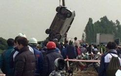 Phát hiện tài xế tử vong trong xe ôtô nổi dưới sông