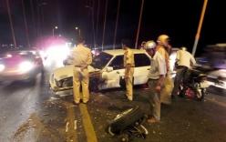 Tai nạn giao thông, xe hơi văng bánh trên cầu Rạch Miễu