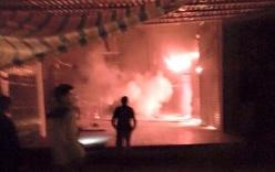 Cháy chợ Mường Khương đêm mùng 1 Tết, 2 chiến sĩ Công an bị thương