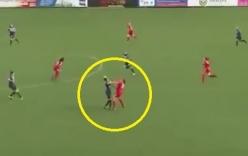 Video: Nữ cầu thủ choảng nhau như trên võ đài boxing