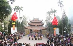 Hơn 5 vạn khách thập phương chen chúc trẩy hội chùa Hương