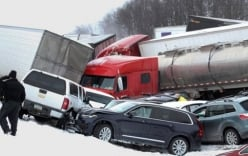 Tai nạn trên cao tốc Mỹ, hàng chục ô tô đâm nhau, 73 người thương vong