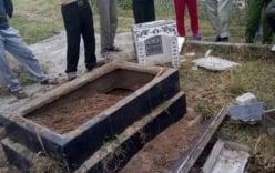 Quảng Ninh: Ngôi mộ bị kẻ xấu đập phá, đào xới