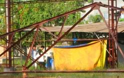 Nam thanh niên chết trong tư thế treo cổ ở chòi ven đường