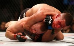"""Top video hot ngày 8/3: """"Gã điên UFC"""" nhận bài học cho sự ngông cuồng"""