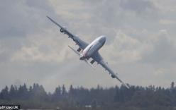 Video: Thót tim xem Boeing 747