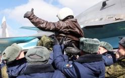 Video: Phi công Nga trở về từ Syria được chào đón như những anh hùng