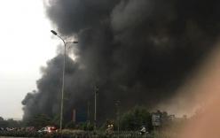 Cháy lớn tại nhà máy gạch Viglacera Thăng Long