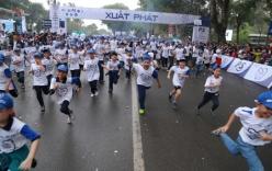 Hàng nghìn người chạy bộ hưởng ứng ngày sức khỏe răng miệng thế giới