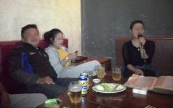 Quảng Nam: Cô dâu ôm vàng