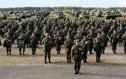 Video: Cận cảnh lính dù Nga báo động chiến đấu