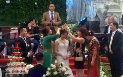 Xôn xao đám cưới mẹ chồng trao con dâu vương miện 100 cây vàng