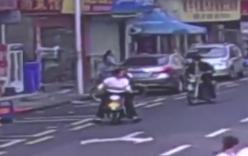 Video: Cãi nhau với bạn trai, cô gái đập phá 6 xe ôtô