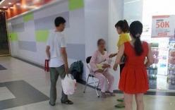 Chồng đánh vợ trong siêu thị chỉ vì chậm cho con bú gây bức xúc
