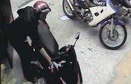 Clip: Trộm xe máy ở shop váy cưới trong vòng 5 giây