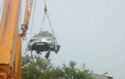 Lạng Sơn: 4 người tử vong trong chiếc taxi chìm dưới hồ