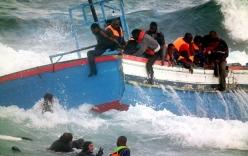 Hơn 400 người di cư chết đuối khi tàu lật giữa biển