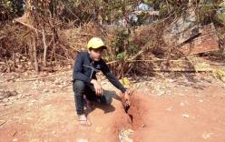Mặt đất xuất hiện vết nứt bất thường, sâu hơn 2m ở Gia Lai