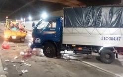 Khoảnh khắc ô tô tải mất lái đâm 5 công nhân trong hầm Thủ Thiêm
