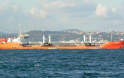 Tàu chở dầu Nga bốc cháy trên biển Caspi, một thủy thủ thiệt mạng