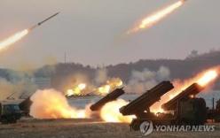 Triều Tiên triển khai 300 giàn phóng tên lửa nhắm vào Nhà Xanh