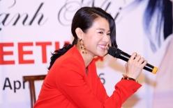 Hồ Hạnh Nhi cười hết cỡ trong buổi họp fan