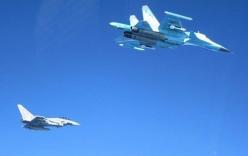 NATO điều nhiều chiến đấu cơ chặn 3 tốp máy bay Nga ở biển Baltic
