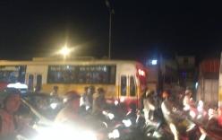 Quốc lộ 5 ùn tắc kinh hoàng khi dòng người ùn ùn rời Thủ đô