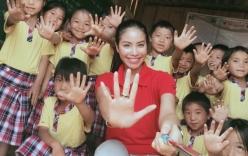 Facebook sao Việt: Phạm Hương tích cực đi thiện nguyện sau khi khỏi ốm