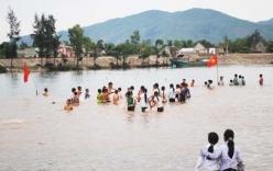 4 nữ sinh lớp 7 tử vong khi tắm biển