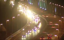 Video: Đoàn xe hộ tống Tổng thống Mỹ Obama qua cầu Nhật Tân