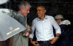 Tổng thống Obama vẫy tay chào tạm biệt người dân Hà Nội