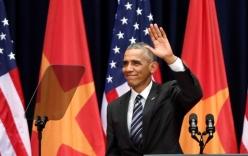 Video: Máy nhắc chữ của Obama rơi xuống đất, vỡ tan