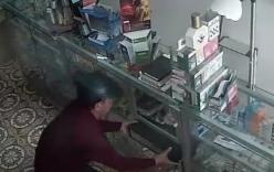 Vờ mua thuốc, nam thanh niên thản nhiên trộm két tiền