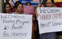 Pakistan cho phép chồng đánh vợ nếu từ chối ân ái