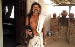 Hy hữu người đàn ông có mái tóc dài gần 19m ở Ấn Độ