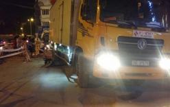 Mẹ và con gái hai tuổi bị cuốn vào gầm xe tải: Người mẹ đã tử vong