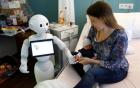 Robot làm tại bệnh viện có khả năng nói được 19 thứ tiếng